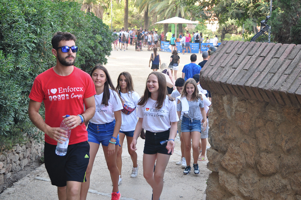 summer camps in barcelona beach | enfocamp